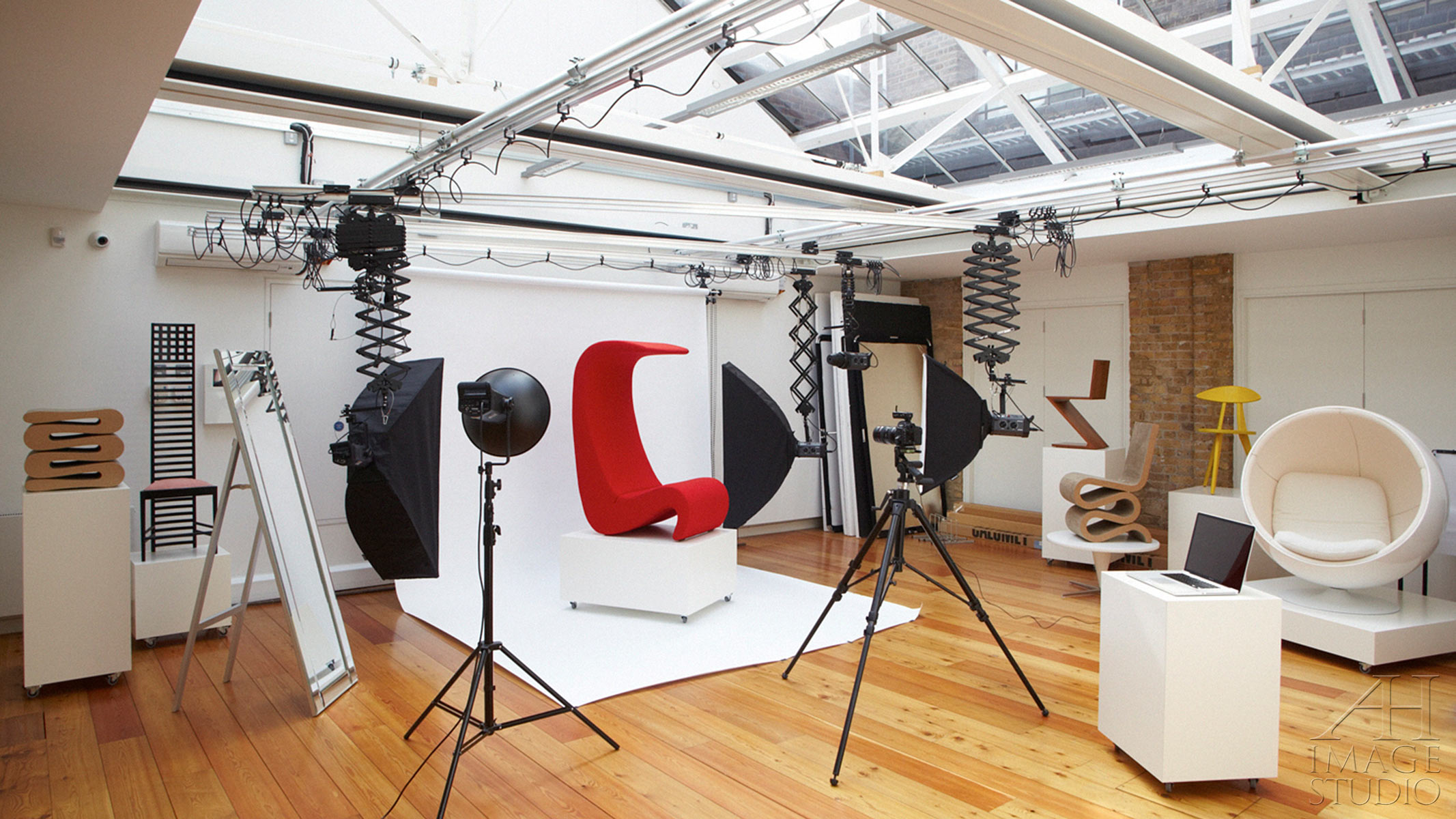 photo studio near London Bridge Bermondsey corporate portraits product photography